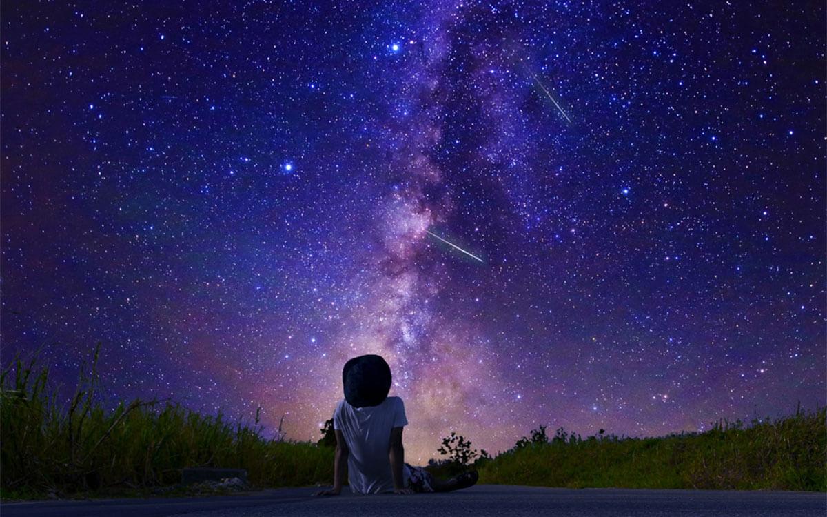 星空を眺める子ども - MOON LANDING 50th ANNIVERSARY 月面着陸50周年記念サイト powered by 宇宙兄弟